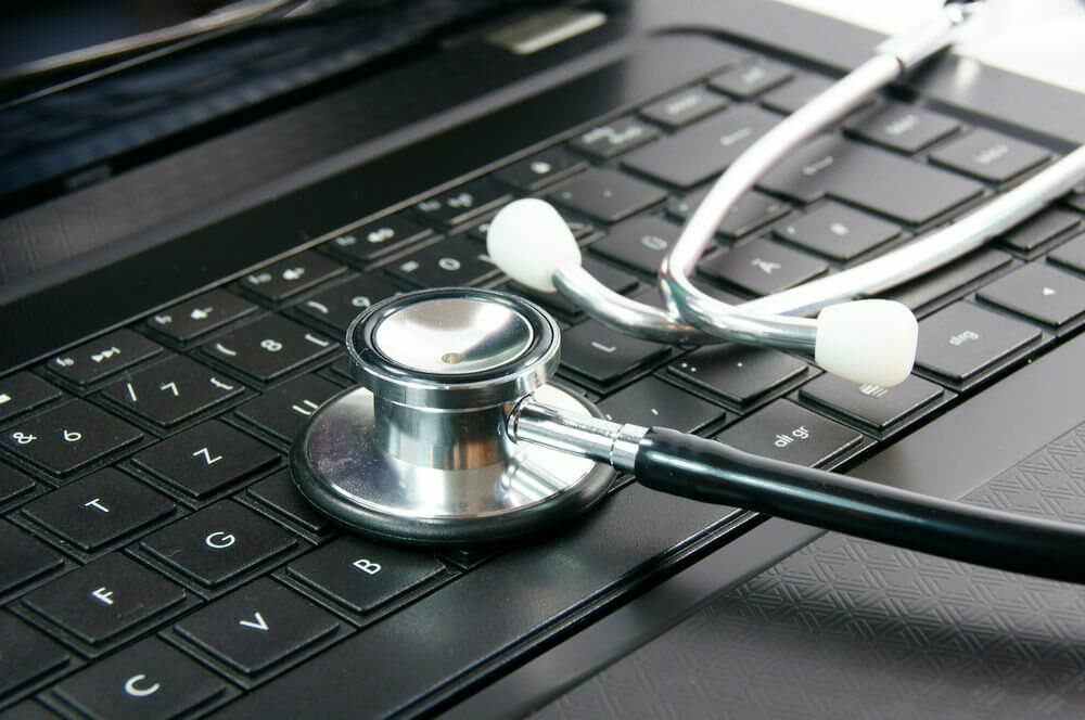 Why an EHR System Beats Paper-Based Systems Every Time