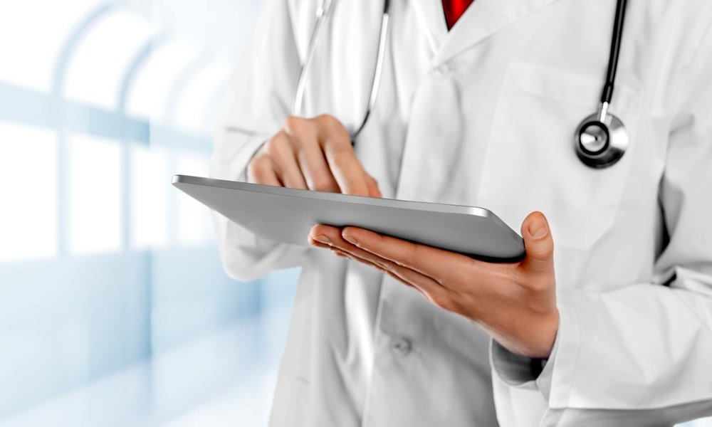 Pros and Cons of Electronic Health Records